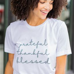 Always Give Thanks White Graphic Tee | The Mint Julep Boutique