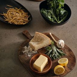 Mango Wood Cutting Board | H&M (US)