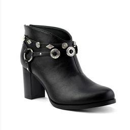 Olivia Miller Women's Whitlock Ankle Booties | Overstock