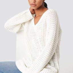 NA-KD V-neck Pineapple Knitted Sweater - White | NA-KD Global