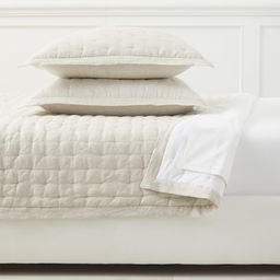 Sutter Linen Quilt   Serena and Lily