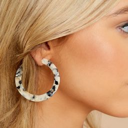 Can't Shake It Ivory And Black Tortoise Acrylic Earrings   Red Dress