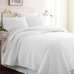 Merit Linens Premium Ultra Soft Herring Pattern Quilted Coverlet Set   Overstock