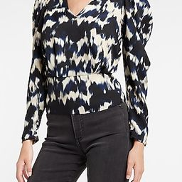 Printed Puff Sleeve V-Neck Top | Express