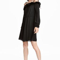 H&M Off-the-shoulder Dress $14.99   H&M (US)