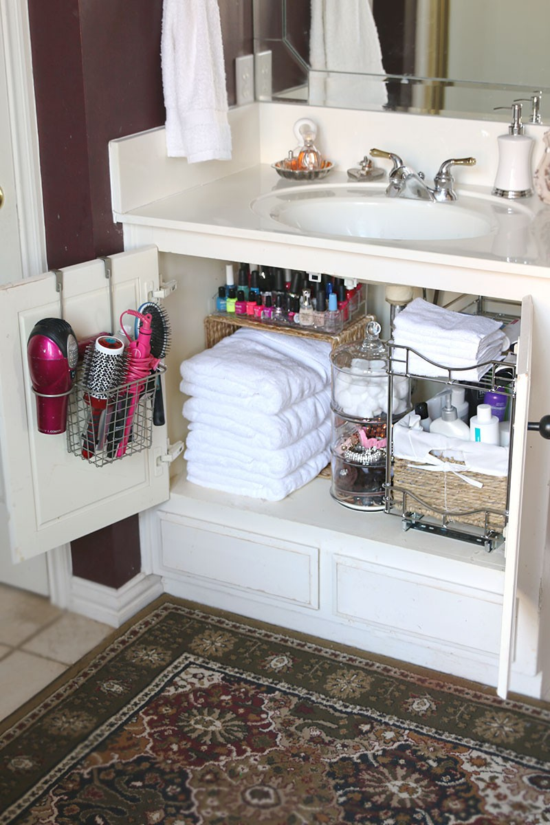 foto de Bathroom Organization Ideas (Before and After Photos) | Living Locurto