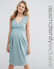 Kate Middleton\'s ASOS Maternity Scoop Neck Belted Dress in Blue