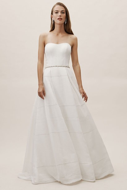 d6161c1306 Beautiful Wedding Dresses for Beach Weddings