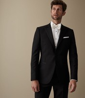 ca6f8916c1d3 1 – Classic Black Tux. mens new years eve outfit ideas
