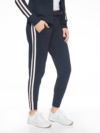 80ee1b41dad8 Cute Workout Clothes That Aren t Skin Tight  Part 2 (PANTS) - The ...