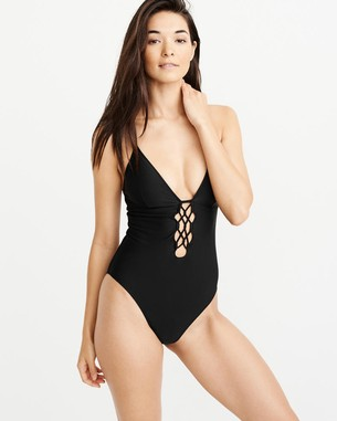 a18edde8ed The Mom Edit s 2019 Swimsuit Guide