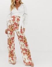 df3411cc82f9 Σύνολα για γάμο με παντελόνι  looks και στιλιστικές συμβουλές - The ...