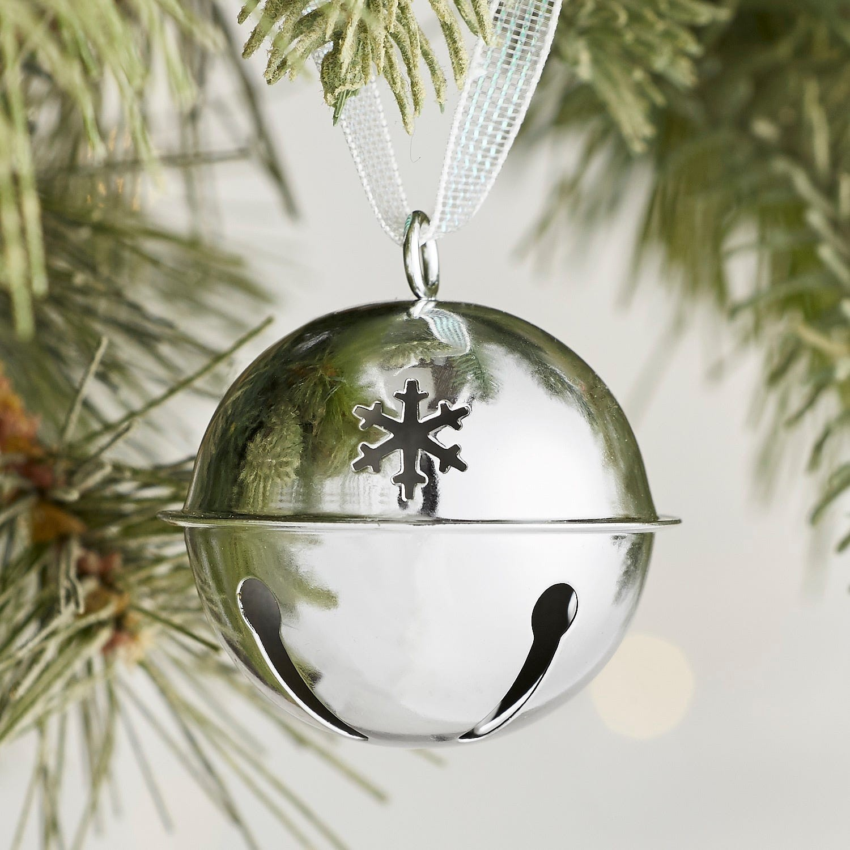seasonal style} Beautifully Kid-Friendly Christmas Decor   Blue i ...