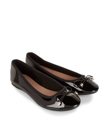 6baab43c023f How to Wear Ballet Flats