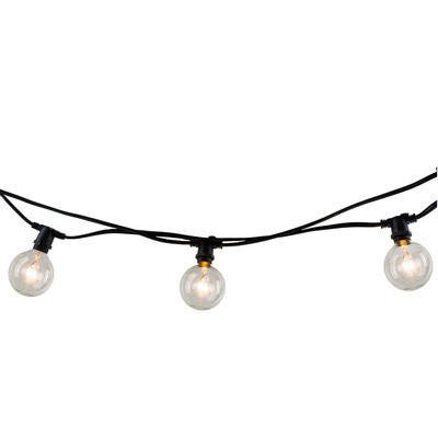 e01d52fb881 7 Ways to String Lights in your Backyard! - A Pretty Life In The Suburbs