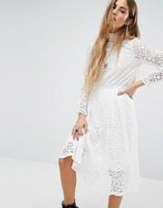 Alexander McQueen - Kate Middleton wears many McQueen garments as a ...