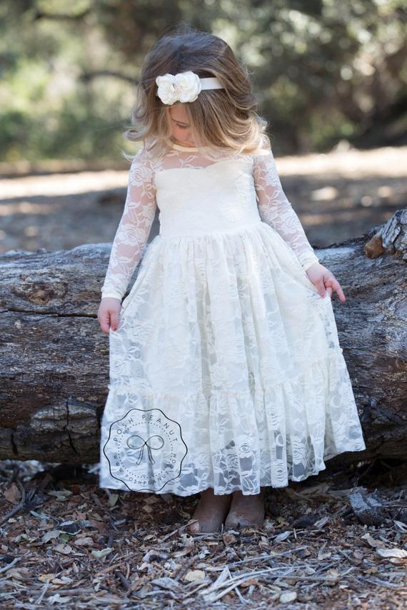 cc859ce1ad Wedding Blog for Real Wedding Ideas & Inspiration | Junebug Weddings