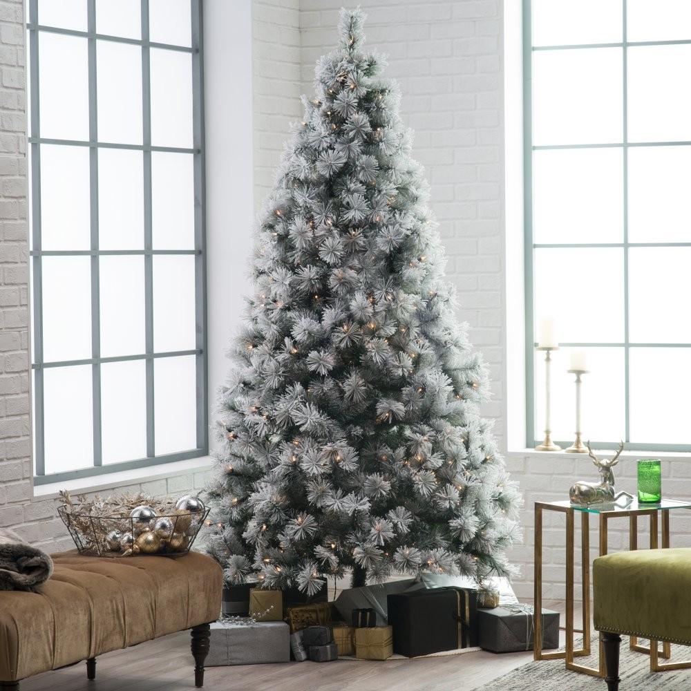 h - Realistic Christmas Trees