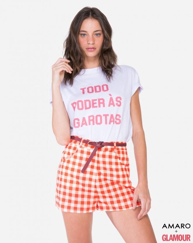 41b7a0f77 Anitta usa shorts, camiseta e pochete de R$ 5,8 mil em Miami - Elas ...