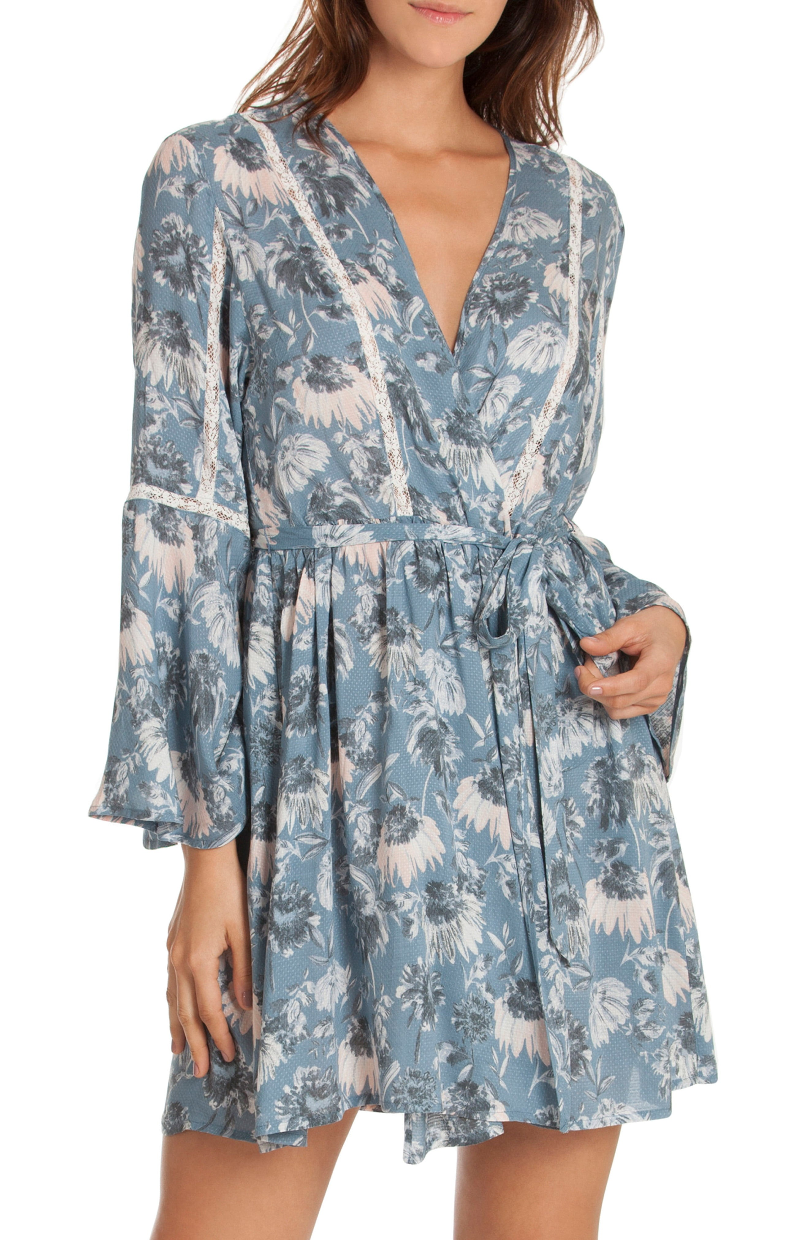 Wedding Getting Ready Robes You and Your Girls Will Wear Again and ... 3a29acfc1
