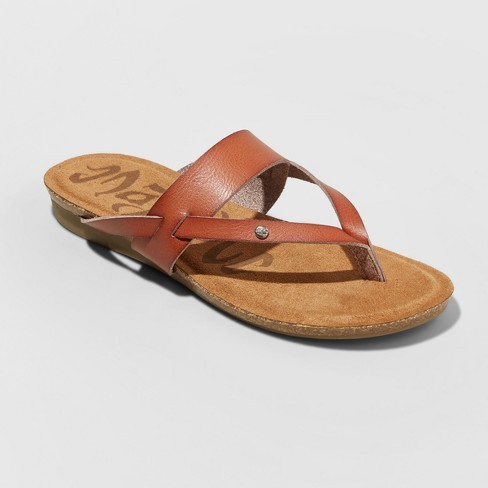 393303f22730 Target.com is taking 40% off select sandals, flip flops & canvas shoes for  the whole family with code SAVE40 through 5/26. This deal includes the  popular ...