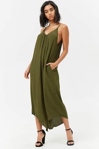a1ee3ab46da Transitioning from summer to fall with jumpsuits - The Samantha Show ...
